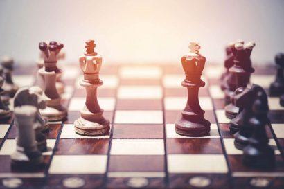 https://chesscamp4kids.eu/wp-content/uploads/2021/01/06-1024x683-1-410x273.jpg